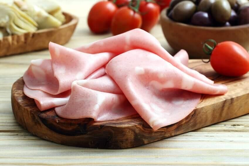 Darf ich Mortadella in der Schwangerschaft essen?